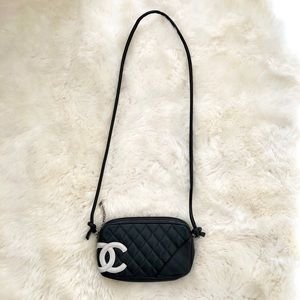 🖤 100% Auth CHANEL Quilted Cambon Pochette